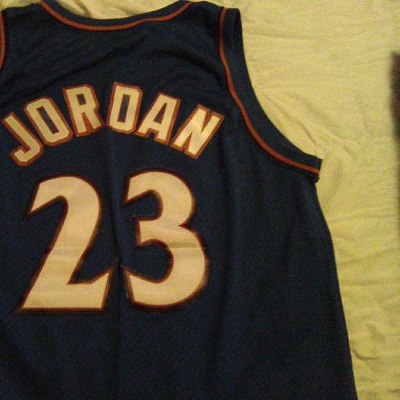the best attitude 90c02 0b376 Vintage Michael Jordan Nike Swingman Jersey